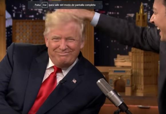 Comprobado: Donald Trump no tiene peluquín. Video