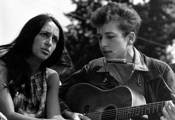 Joan Baez: La mujer que descubrió a Bob Dylan