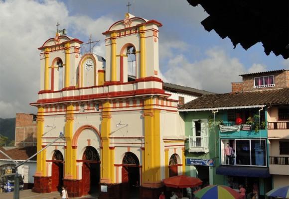 En Anorí Antioquia, municipio de concentración guerrillera, gano el SÍ