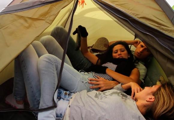 ¿Qué mantiene a 120 muchachos acampando en la Plaza de Bolívar?