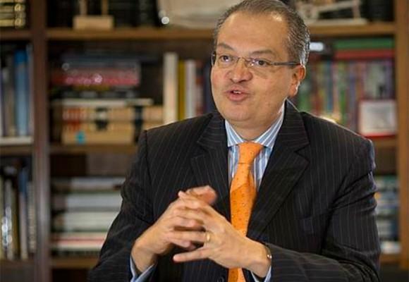 Timonazo de Santos y Vargas le darían la Procuraduría a Fernando Carrillo