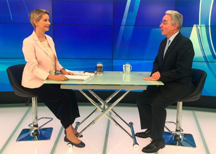Claudia Gurisatti hizo la tarea: logró la cita entre Uribe y Santos