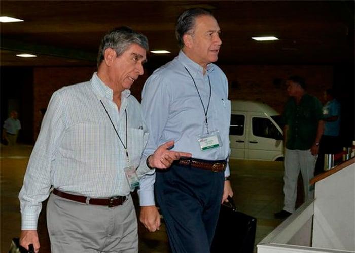 Duros reparos de coroneles y tenientes a tres militares negociadores de La Habana
