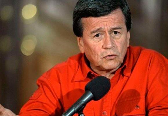 """""""En el guión de la guerra, Santos es el policía bueno y Uribe el malo"""": Pablo Beltrán"""