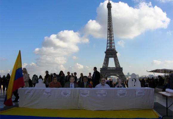 En París unieron a Santos, Timochenko y Pablo Beltrán