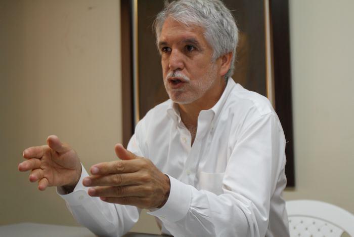 Estrategias mediáticas para evitar la revocatoria de Peñalosa
