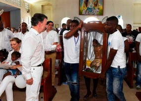 Santos dona el dinero de su Nobel a las víctimas de Bojayá