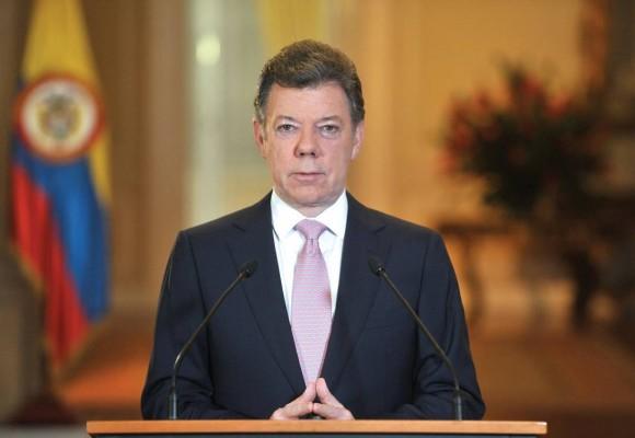 """""""Presidente Santos, no acepte el Nobel de paz"""""""