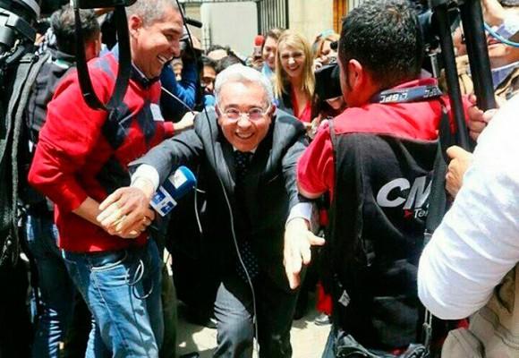 Uribe afanado para llegar a tiempo a Palacio, paciente para decidir