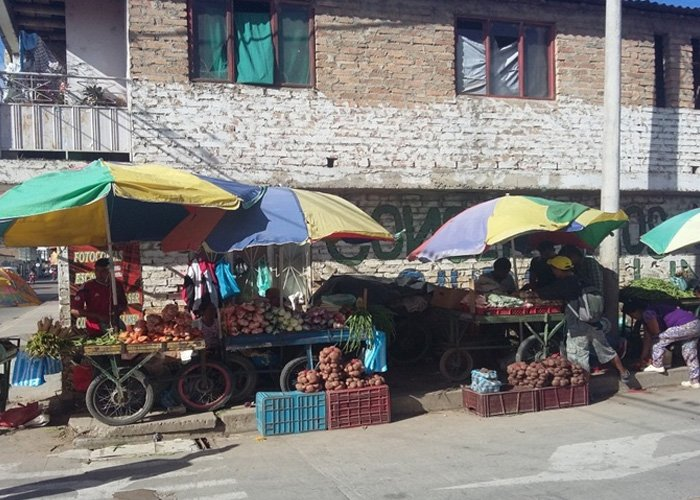 La historia de una viuda que salió a flote vendiendo dulces