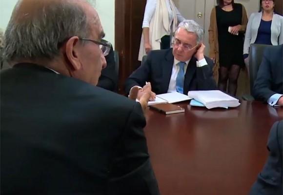 Cara a cara de De la Calle y los negociadores con Uribe y los del No. Video
