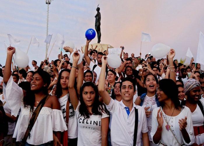 Menores de 18 años piden a Uribe, Pastrana y Ordoñez la implementación de los acuerdos