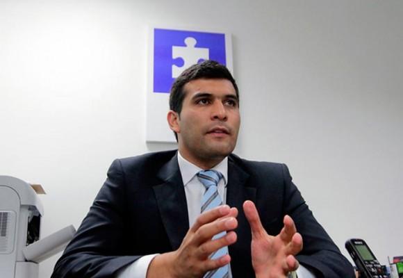 El Contrato de Julián Quintana con la Cámara de Representantes