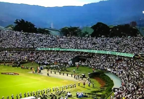 El Atanasio Girardot se viste de blanco en homenaje al Chapecoense
