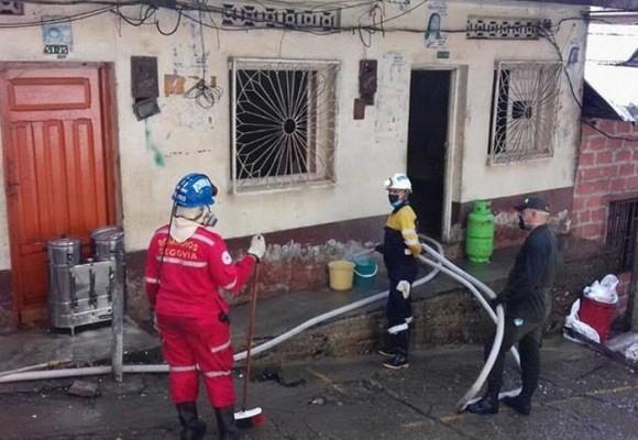 Acumuladora de Segovia, Antioquia, le sacaron 2 volquetas de basura de la casa
