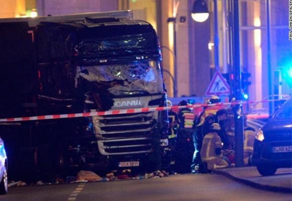 Video: Terror en Berlín por atentado con tractomula