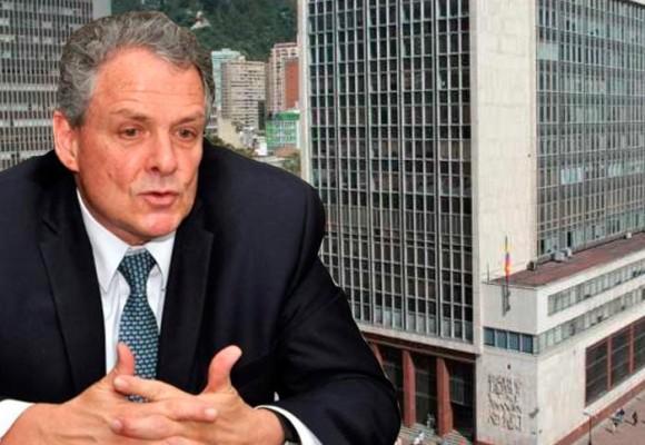 Juan José Echavarría, un Santista de primera línea, llega a la gerencia del Banco de la República