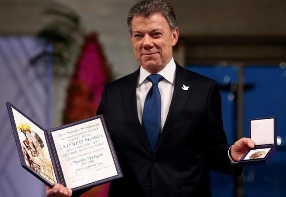 Cuestionan legitimidad del Nobel de Santos