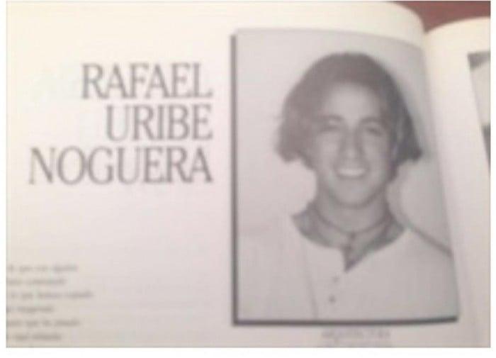 Foto del anuario del colegio en el que se ve a Rafael Uribe Noguera