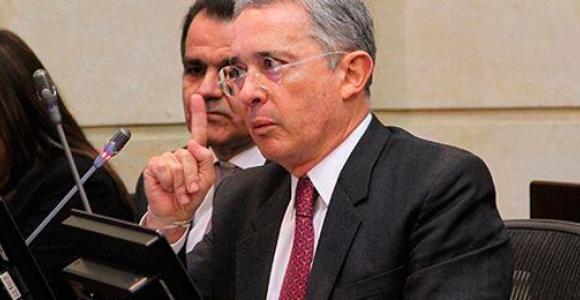 ¿Qué será lo que quiere el senador Uribe?