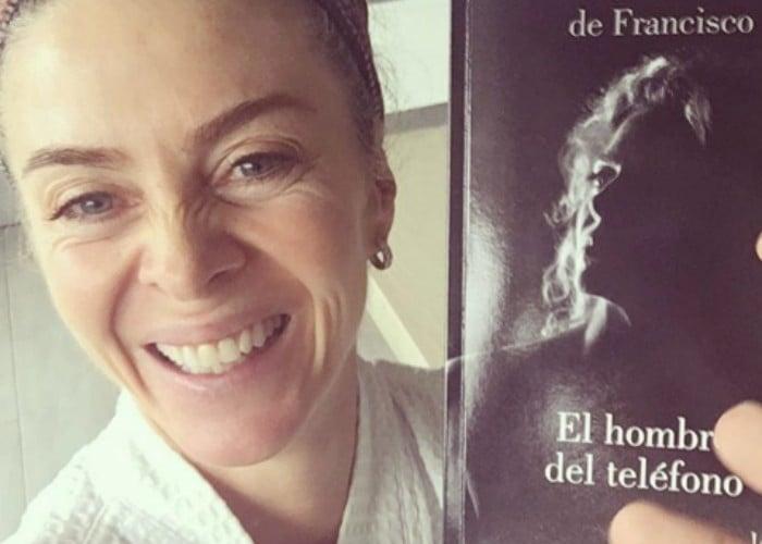El hombre del teléfono se inspira en la historia que vivió Margarita Rosa en Madrid, donde las llamadas de Jaime Garzón aliviaron su soledad tras el divorcio con Carlos Vives.