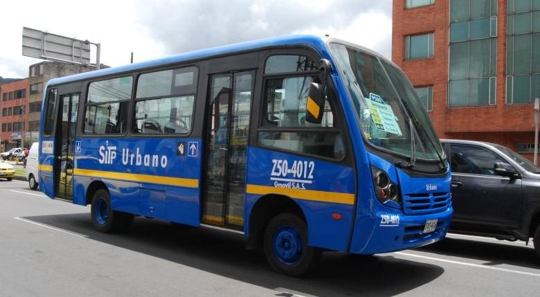 El nuevo derroche de Claudia López: cambiar los colores de los buses del SITP