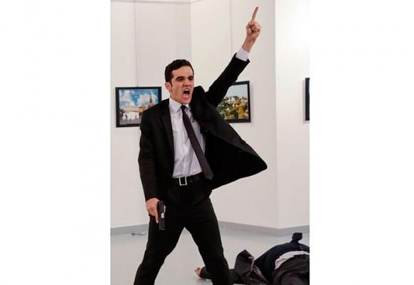 El asesinato del embajador ruso, la mejor foto del año