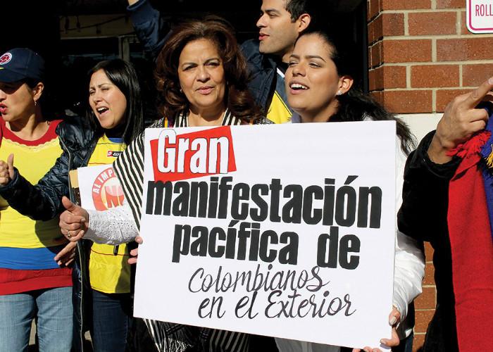Los colombianos en el exterior no tienen quien los represente