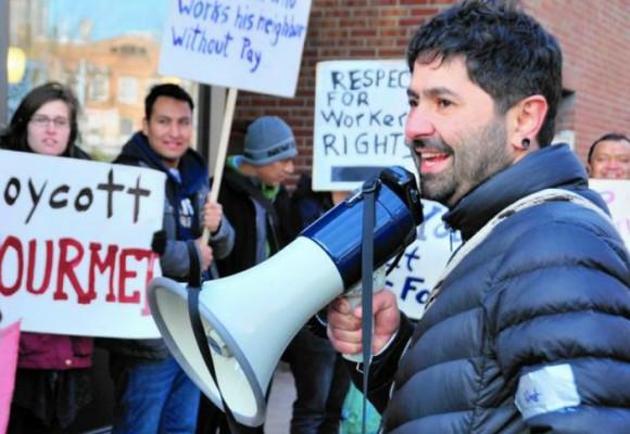 John Jairo Lugo, el pereirano que se enfrenta al garrote de Trump
