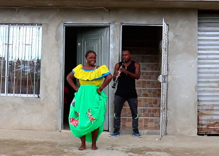 'Le arrebato niños a la violencia con la danza'