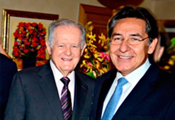 Néstor H. Martínez y L.C. Sarmiento Angulo: 20 años de amistad y negocios