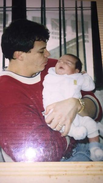 Popeye con su hijo Mateo en La Modelo