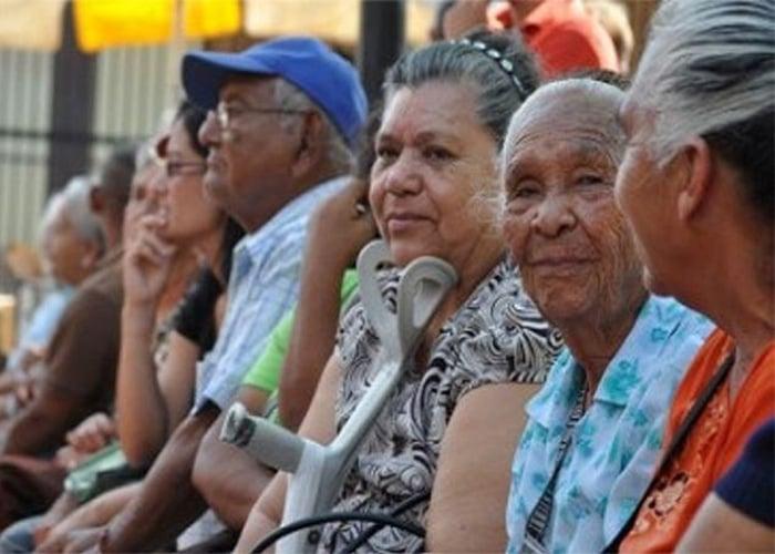 Austeridad para los pobres, derroche para los poderosos: el caso de las pensiones