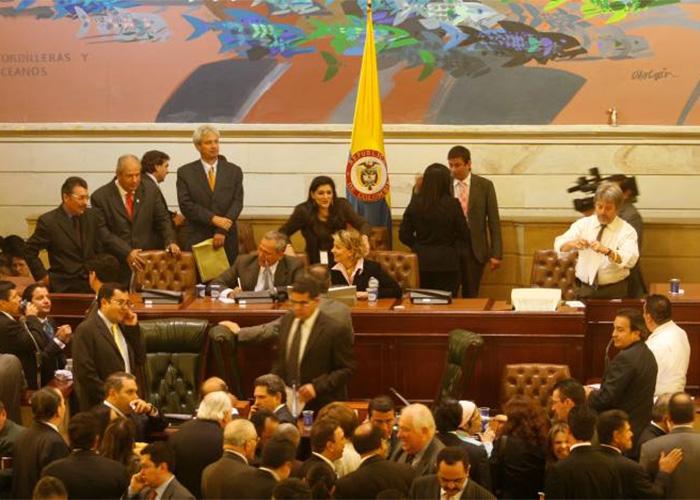 En Colombia los políticos se creen dioses