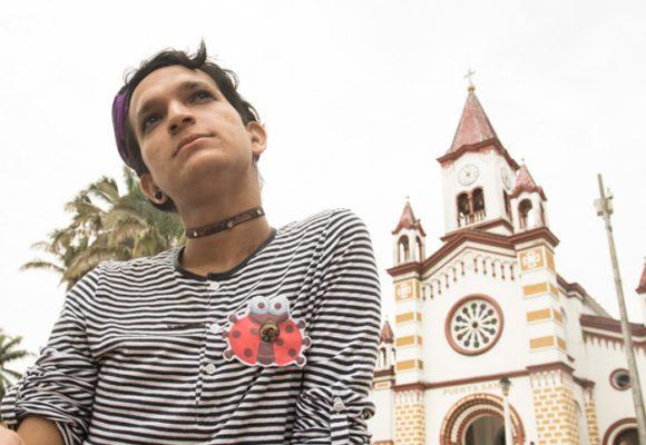 """""""Ser pobre, marica y activista: tres razones pa' que te pelen a machete en el Caquetá"""": VIDEO"""