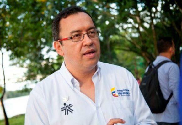 Empezó el reacomodo en Palacio: llega Alfonso Prada a la Secretaría general