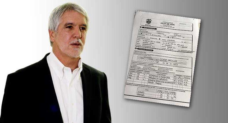 ¿Por qué a Peñalosa no lo pueden destituir por su doctorado falso?