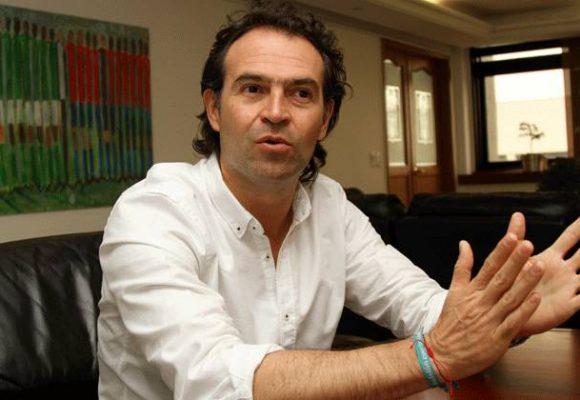El alcalde de Medellin  le cedió a los empresarios y levantó las medidas ambientales