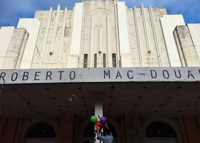 Teatro Roberto Mac Douall: Una década de olvido y abandono