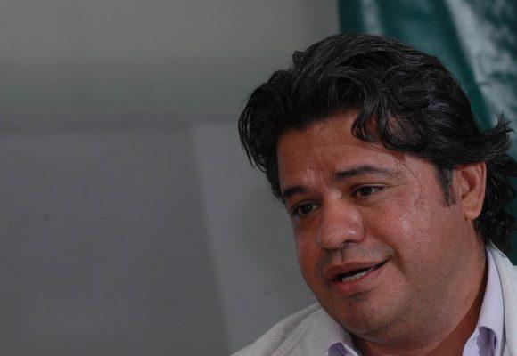 Rifirrafe entre el Diario El País y Wilson Arias