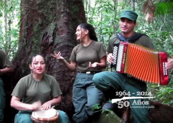 El músico que cargaba un piano en medio de los combates selva