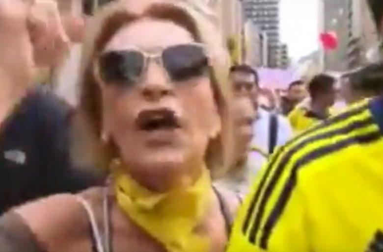 """Video: """"Periodistas asquerosos vendidos a un gobierno corrupto"""" La uribista energúmena de la marcha"""