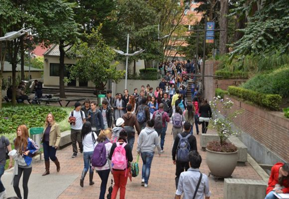 La preocupación de los estudiantes de universidades privadas