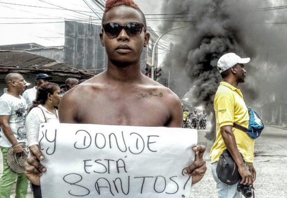 VIDEO: El ESMAD llega a romper a golpes el paro cívico del Chocó