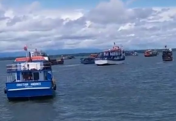 Video: El paro en Buenaventura llegó al mar: bloqueo de barcos en el puerto