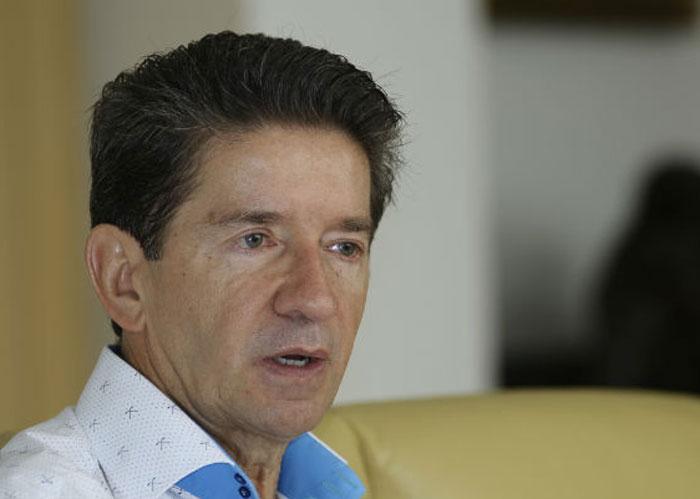 Si la Universidad digital prometida por el Gobernador Luis Pérez es de cartón, la Empresa de Desarrollo Agropecuario prometida por él es de papel
