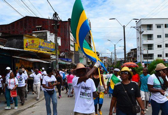 """""""¿Dónde está Santos?, Santos no está aquí"""", la gente en el Chocó le pide al Presidente aparecerse"""
