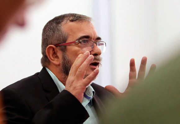 """""""Termina una auténtica semana de pasión, en la que las FARC parecemos el Cristo a crucificar"""""""