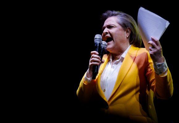 Clara López compara al fascismo de Adolf Hitler con el uribismo