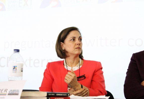 Una conversación por Whatsapp con María del Rosario Guerra